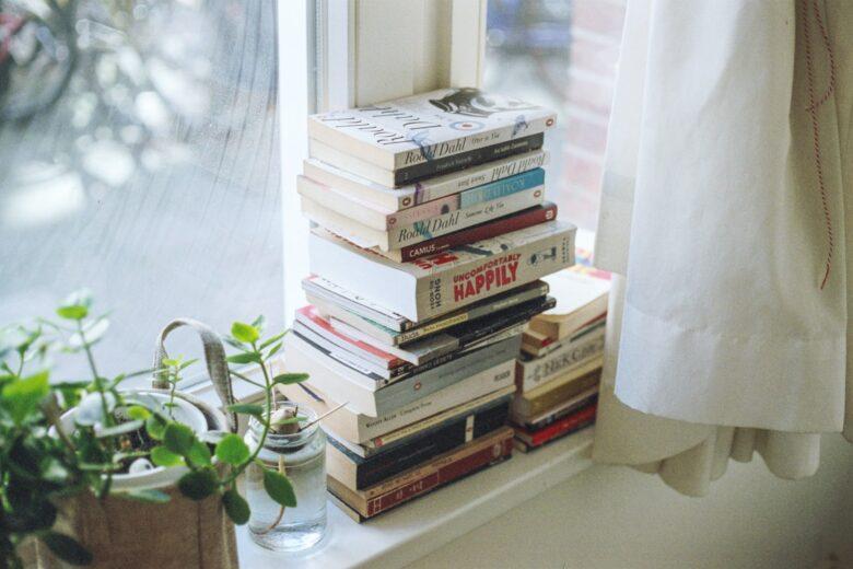 コンサルタントや仕事ができる人になりたいなら本を読むべき
